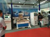 mesa de vácuo de vários Chefes de madeira CNC Máquina de roteador