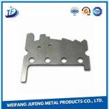 電流を通すことと押す押された金属部分のステンレス鋼