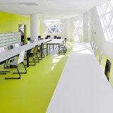 Plancher en PVC homogène pour salle de réunion