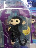 スマートなおもちゃのFingerlingsの赤ん坊猿