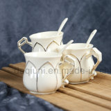Insieme di caffè nero di ceramica con la tazza del latte e la tazza di Suger