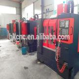 Centro di lavorazione verticale cinese Vmc1270 di CNC di alta precisione con il sistema di controllo di Fanuc