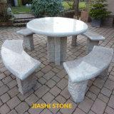 卸し売り花こう岩表は庭の石の家具のためにセットした