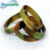 Gewirbelte Debossed Silikon-Armbänder für Förderung