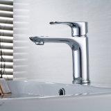 Flg Bassin-Hahn-Chrom-Plattform hing Badezimmer-Hahn ein