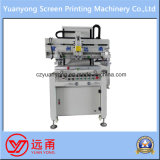 Une machine de presse typographique d'écran plat de couleur