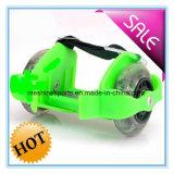 Cer-Zustimmung Zwei-Rad justierbare blinkende Rollen-Rochen-Schuhe mit LED-PU-Rädern