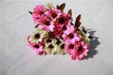 結婚式の装飾のための安い絹の人工的なヒナギクの花
