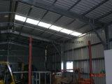 Almacén de la estructura de acero con el panel de emparedado del EPS