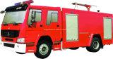 Пожарная машина тавра Sinotruk с управляя типом 4X2 с типом пены и воды