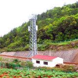 De Toren van de Telecommunicatie van het Staal van de hoek