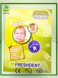 Grosse Karte mit Schutzkappen-Kind-Zahnbürste