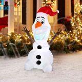 La Cina ha personalizzato il pupazzo di neve gonfiabile felice di natale con il cappello della Santa