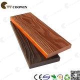Decking composé en plastique en bois d'étage extérieur
