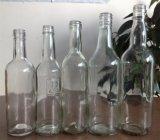 Frasco de vidro feito-à-medida do licor com tampão plástico