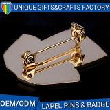 Il risvolto antico del metallo del regalo appunta i distintivi su ordinazione