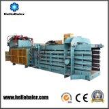 Automatische Hydraulische het In balen verpakken van het Document van het Schroot Machine met Transportband