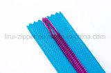 Zipper de nylon com dentes do triângulo/Dentes/extremidade aberta de End&Clsed