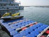 Cubos flotantes plásticos del muelle del barco del HDPE que soplan haciendo la máquina