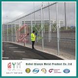 높은 직류 전기를 통한 358는 방호벽/PVC에 의하여 입힌 형무소 담 반대로 올라간다