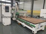 Гравировка CNC Woodworking и инструмент машинного оборудования вырезывания