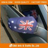 Автомобиль под флагом наружного зеркала заднего вида