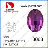 Precio mayorista posterior plana de cristal Oval coser en Rhinestone con orificios para prenda