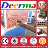 Le WPC Decking / gamme de machines d'extrusion de la machine