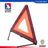 Треугольник красного рефлектора безопасности предупреждающий для аварийной ситуации