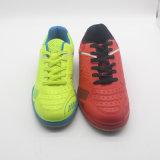 PUの甲革のための新しい屋外のサッカーおよびスポーツのフットボールの靴