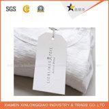 Aufbereitete weiße Karten-Kleidungs-Fall-Papiermarken