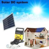 3つのLEDの球根ライトが付いている太陽エネルギーのパネルの発電機キット5V USBの充電器のホームシステム