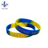 Bon marché personnalisée en usine Magnifique bracelet en caoutchouc de silicone avec logo
