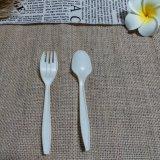 Les couverts remplaçables biodégradables Composable de fécule de maïs de vaisselle emportent des couverts
