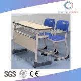 学校家具MDFの青い足の椅子(CAS-SD1803)が付いているまっすぐな形学生の机
