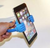 Polegares bonitos acima do carrinho plástico do telefone móvel da montagem do suporte do telefone