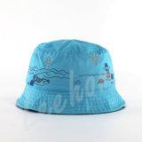 Dama de promoción de los sombreros de la cuchara para la pesca