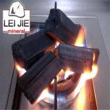 De Houtskool die van de Waterpijp van het bamboe de Rookloze Houtskool van het Bamboe trekt