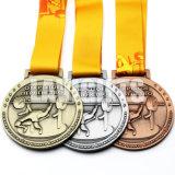 Médaille de lutte d'alliage d'émail en métal en métal d'athlétisme femelle doux de gravure enfoncée par coutume bon marché