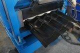 Rullo d'acciaio colorato delle mattonelle di tetto che si forma facendo macchina