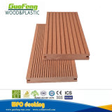 Le WPC Decking solide et un revêtement de sol composite rainuré