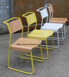 Restaurant Café de Morden Loisirs métal empilables latéraux en bois chaise de salle à manger