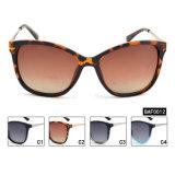 Logotipo personalizado de alta qualidade Fashion óculos polarizados fêmea (BAF0012)