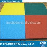 Carrelages en caoutchouc de granules de sport coloré de tapis