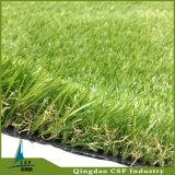Césped artificial de la hierba verde del césped para el jardín y paisaje