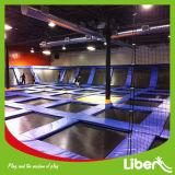 Liben personalizou o parque interno do Trampoline para crianças e adultos