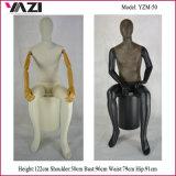 Séance de sexe masculin sous forme de vêtements de mannequin pour l'affichage