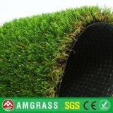 Grama e incêndio sintéticos - relvado resistente da grama com alta qualidade