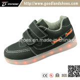 Le sport neuf de chargeur des chaussures USB d'éclairages LED chausse Hf568