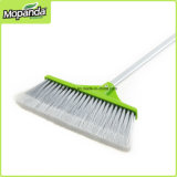 Le balai et la pelle à poussière ont placé pour le nettoyage d'intérieur